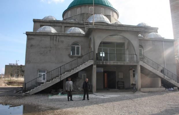On iki yıldır tamamlanamayan cami yardım bekliyor (4)